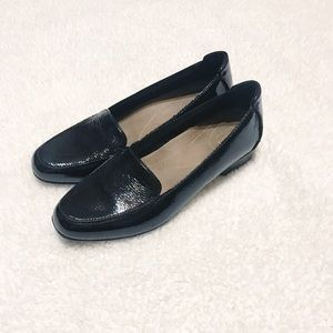 Clark's artisan collection patent leather loafers